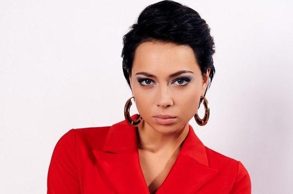 Настасья Самбурская сыграла беспринципную любовницу в новом сериале «Две жены»