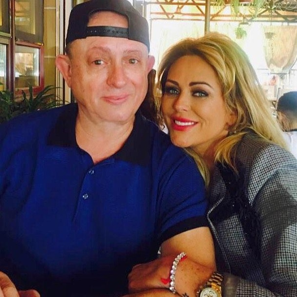 Отец Юлии Началовой рассказал причину смерти певицы.
