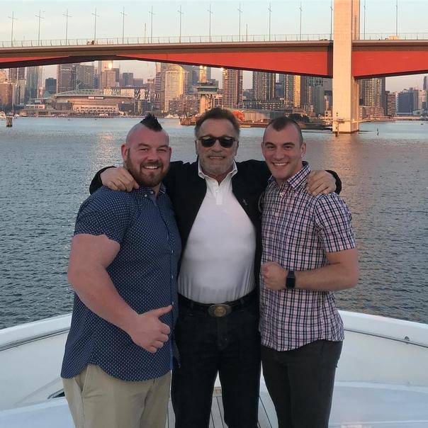 Арнольд Шварценеггер поздравил однополую пару со свадьбой!