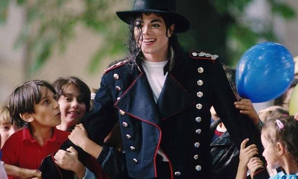 """Стало известно, что в своем время журналисты """"BBS"""" выяснили, что когда шел суд над Майлом Джексоном касательно педофилии... адвокаты певца вели переговоры с родителями одного из мальчиков."""