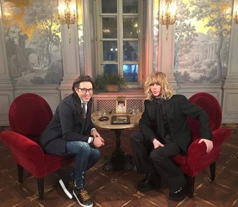 Сергей Зверев заявил, что начнет общаться с сыном только тогда, когда она разведется с зечкой, устроится на работу и попросит прощение без камер.